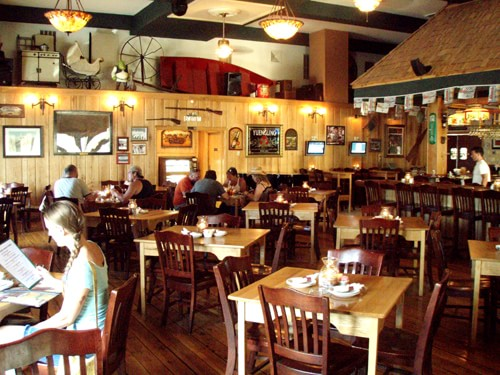 Alaska Petes Dining room